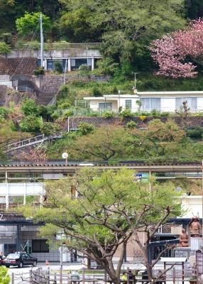 P4202040駅広場