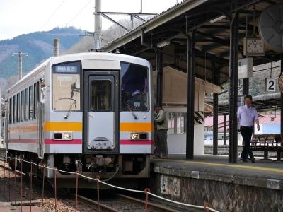芸備線 新見駅 キハ120