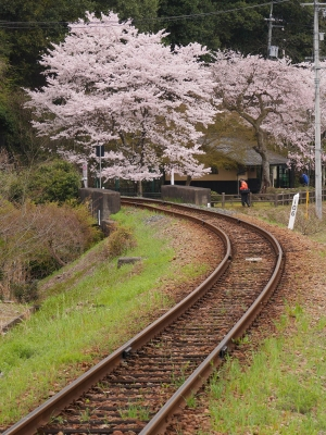 三江線 尾関山駅