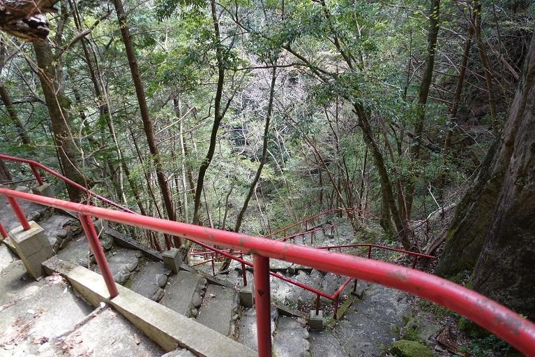 10 滝周辺の急登-1 14%