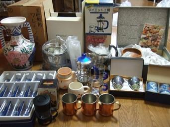 3/4 引き出物など壺、食器ほか