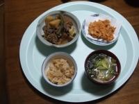 4/23 夕食 肉じゃが、桜えびのかき揚げ、キャベツと油揚げの味噌汁、筍ご飯