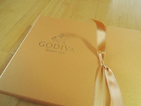 ゴディバ (GODIVA) のゴールドコレクション 12粒 2017ホワイトデー (1)