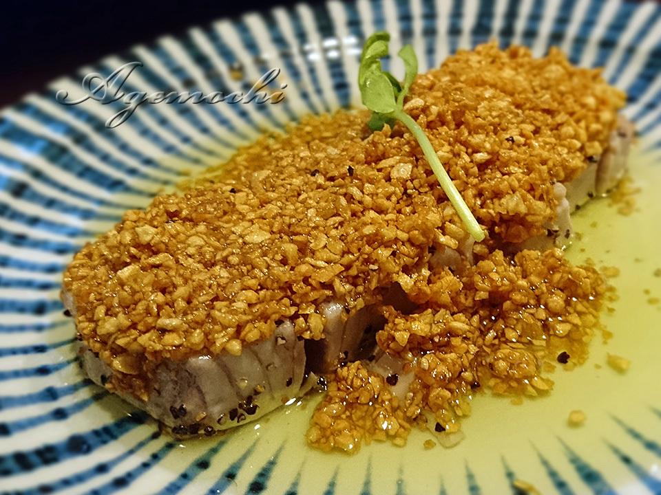 マグロのガーリックレアステーキ