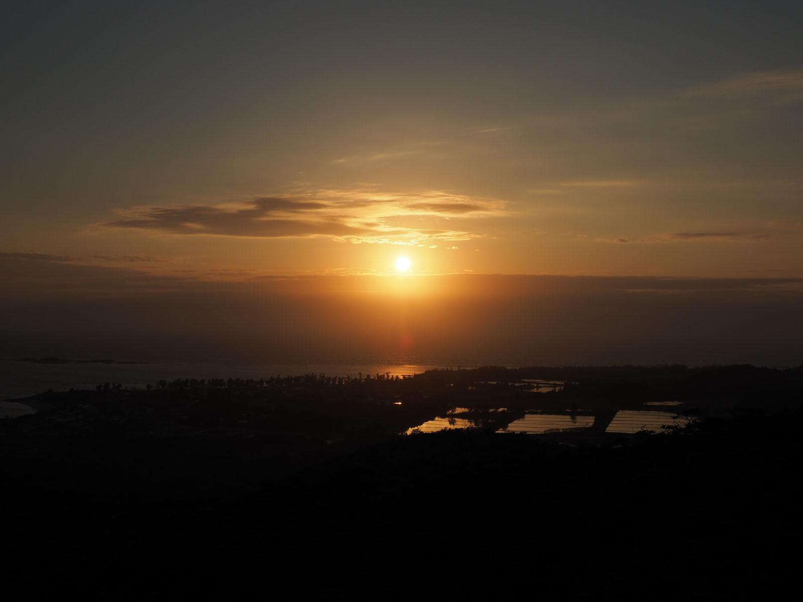 チヂン岳からの夕日