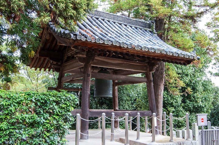 西円堂鐘楼