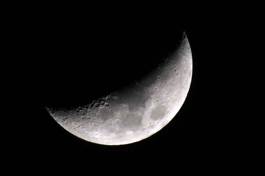 2017年4月の月 (0)
