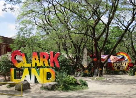 clark dinosaurs island (4)