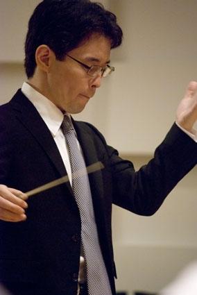 指揮者 プロフィール写真