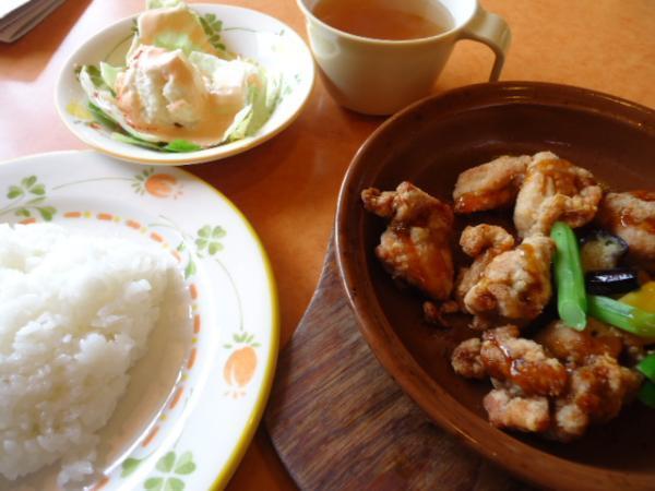 3/23 サイゼリヤ・鶏のオーブン焼