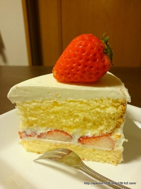 17.04.09いちごのショートケーキ2