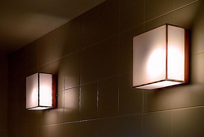 トイレの灯り