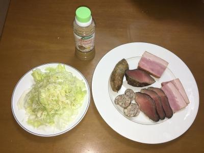 鹿肉とベーコン、ソーセージの燻製