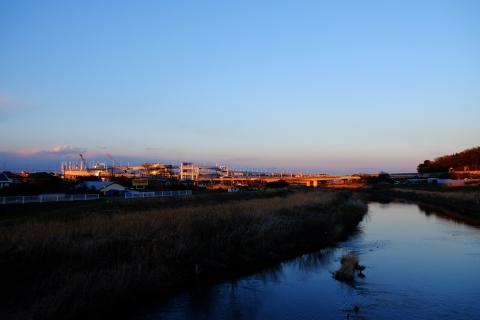 37鶴見川の日没