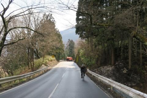 05裾花渓谷へ