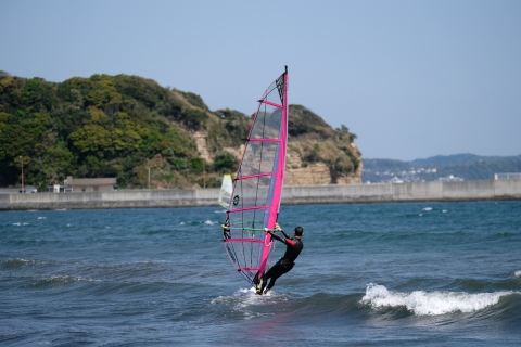 12江の島東浜ウインドサーファー