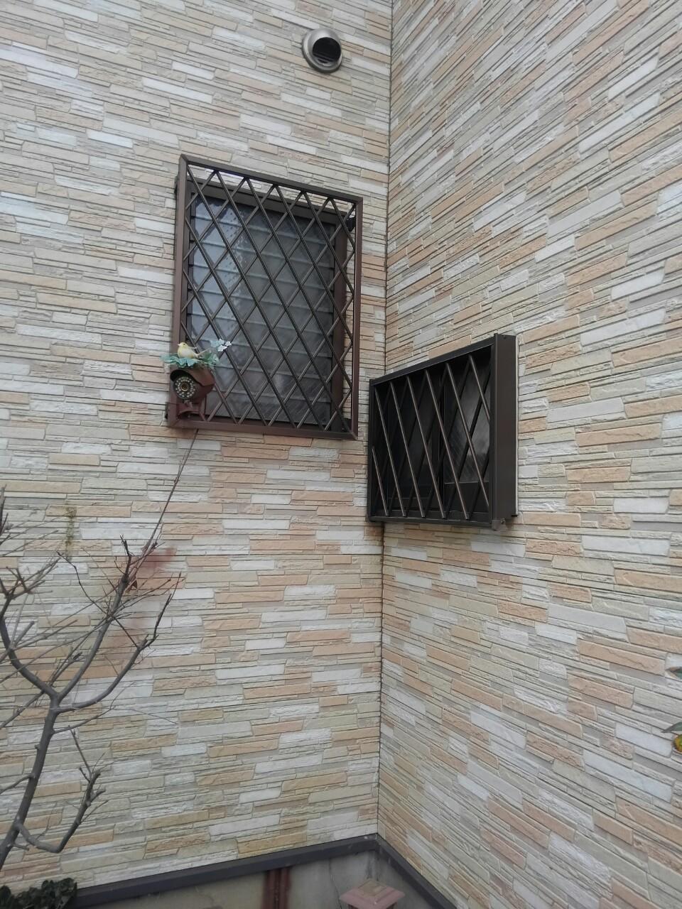 格子窓23