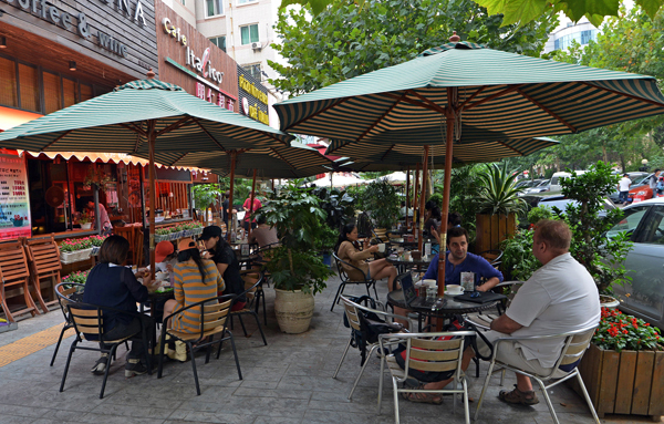 ストリートカフェ