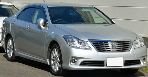 Toyota-200Crownunmarked.jpg