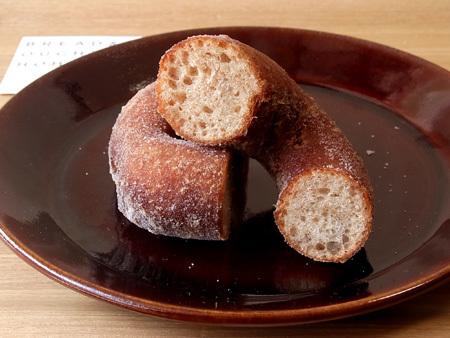 酵母ドーナツ BREAD & DOUGHNUT HOHO