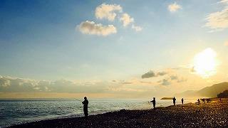 ヒスイ海岸は福来魚釣りシ-ズン