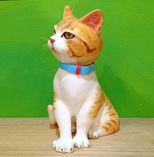 お座り猫2