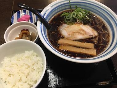 ラーメン 鶏がら醤油 ヒンチ 豊川 花夢 花屋