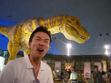恐竜 博物館 変化 豊川 御津 花屋 花夢
