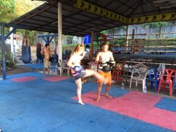 ムエタイ、ボクシング、island
