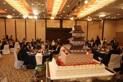 生ウェディングケーキお城