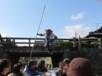 柳川川下り 船頭さんのジャンプ