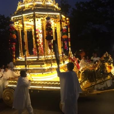 goldenchariot1.jpg