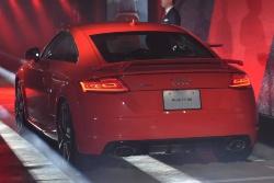 Audi_TT_OLED_talelamp_image2.jpg