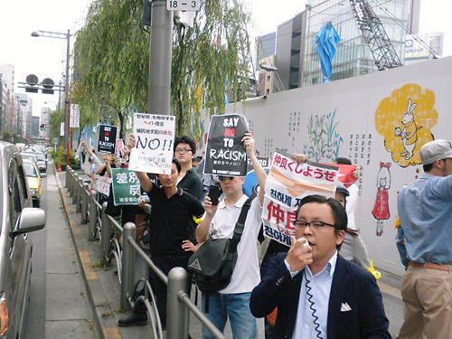 20130609私も、菅野完(noiehoie、ノイホイ)がしばき隊の時に、暴力を振るわれたことがあった。