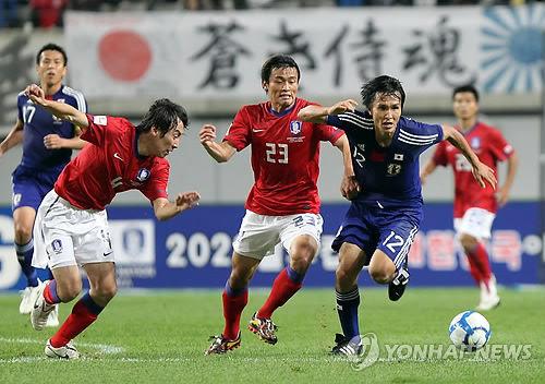 2010以前にソウルでやった日韓戦の時は旭日旗があっても何も問題なかった。