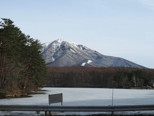 4月10日の飯綱湖