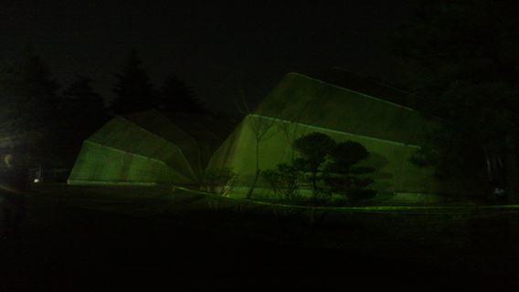 テントっぽい建物