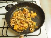 ゲソと豆腐のマヨしょう油炒め16