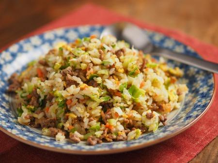キャベツと合い挽き肉の焼飯25