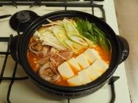 炙り鶏肉と豚バラのキムチ鍋34