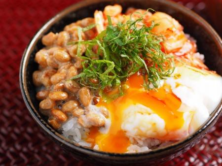 温泉卵でキムチ納豆TKG11