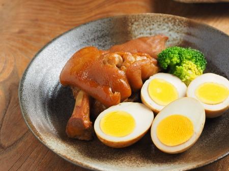 お茶っ葉燻製、煮玉子、豚足14