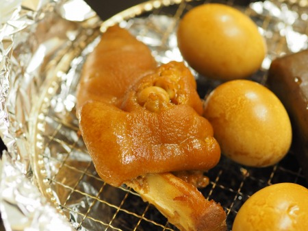 お茶っ葉燻製、煮玉子、豚足03