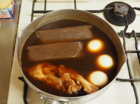 お茶っ葉燻製、煮玉子、豚足23