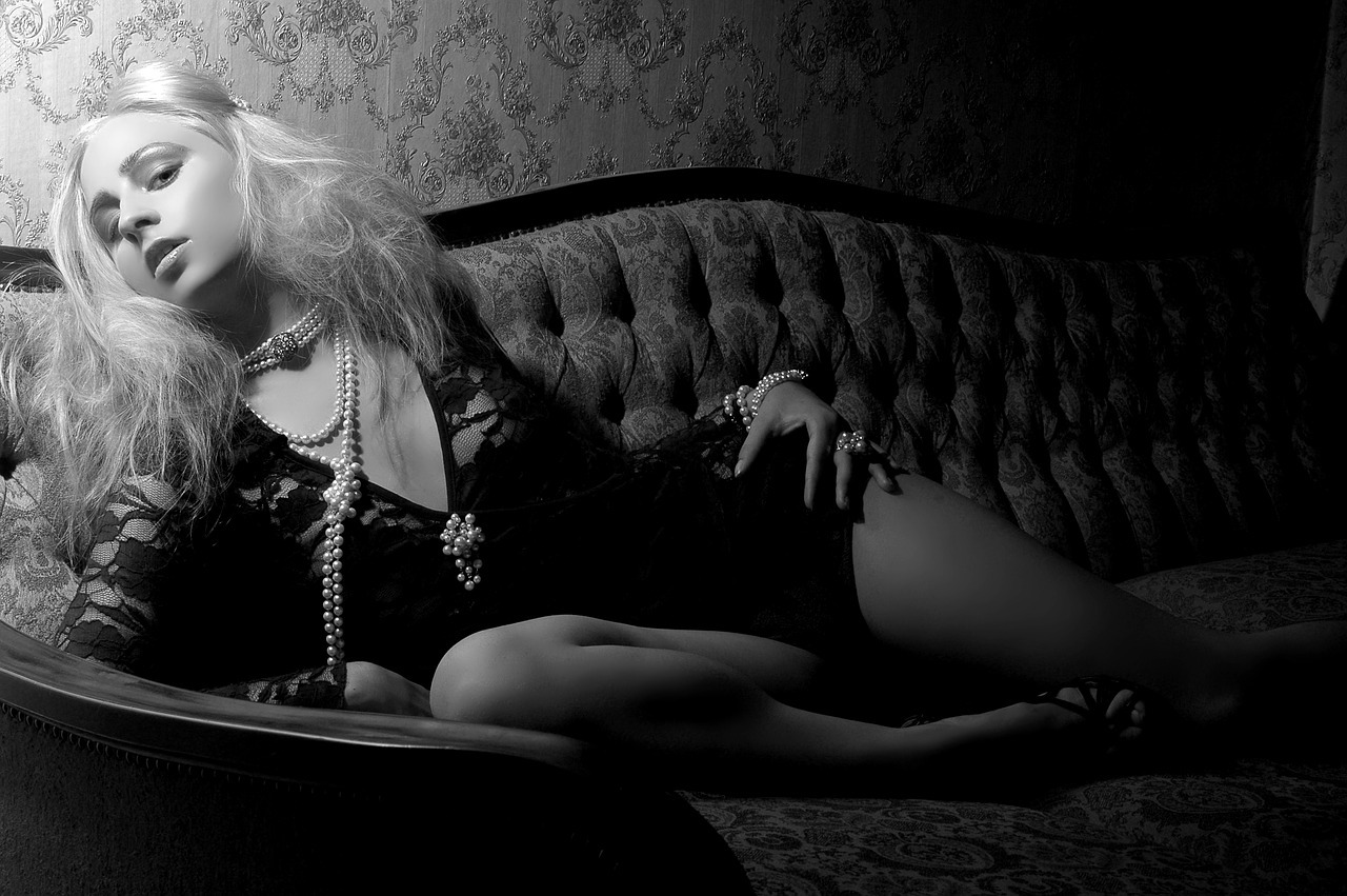 blonde-1789778_1280.jpg