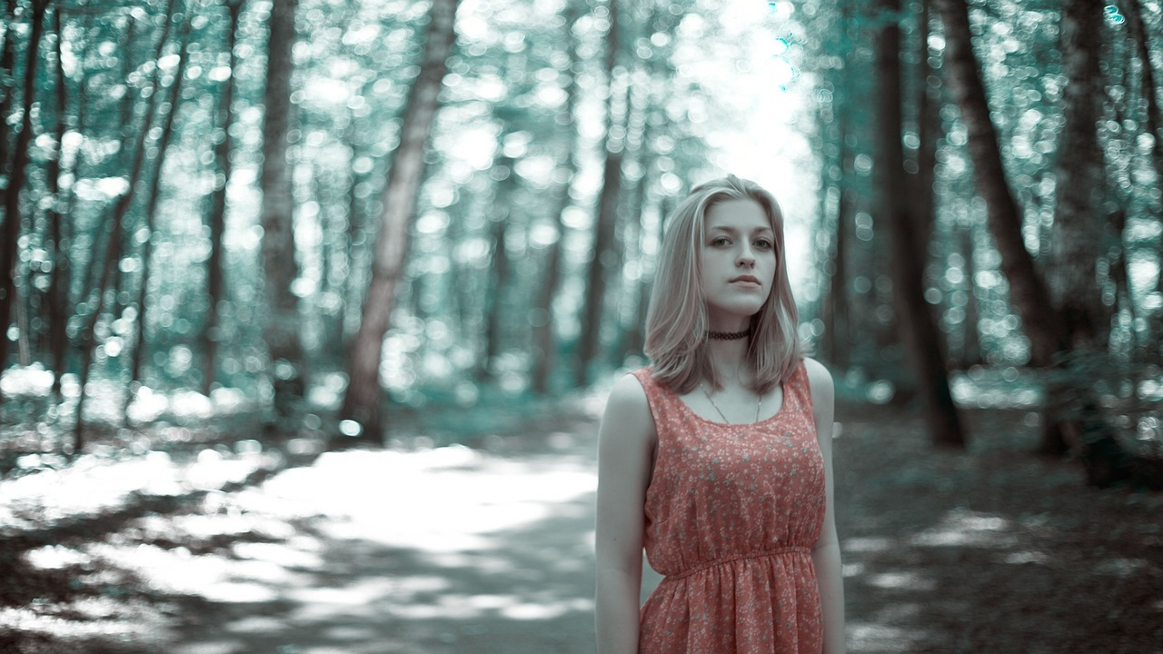 girl-in-the-woods-1968489_1280.jpg