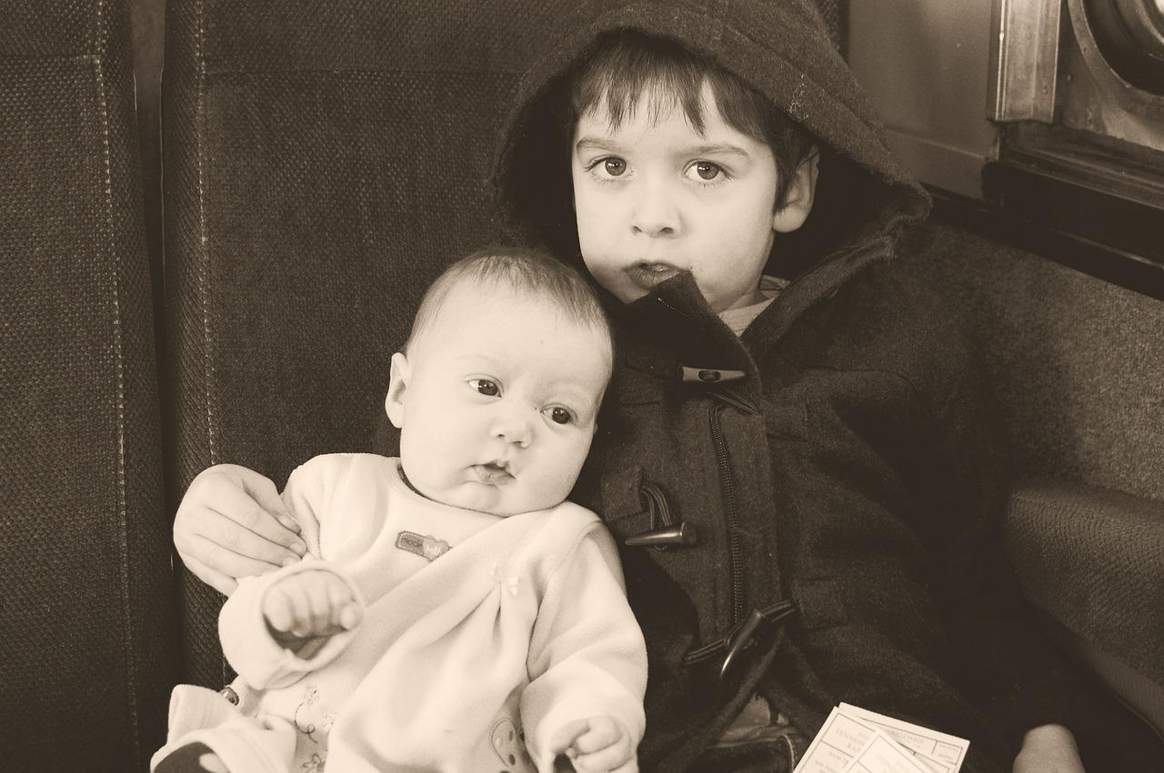 siblings-1944060_1280.jpg