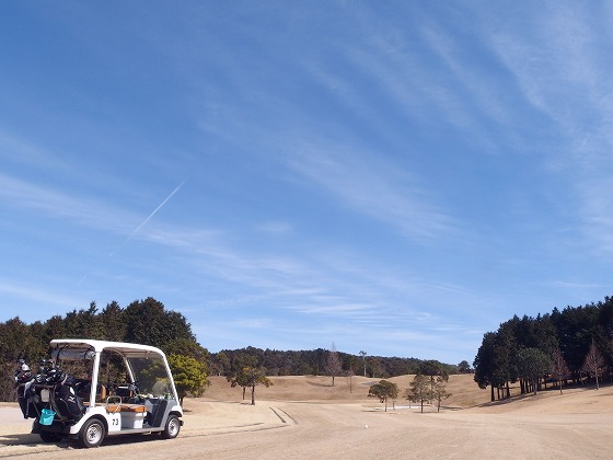 1702281210鹿児島二日目青空に飛行機雲