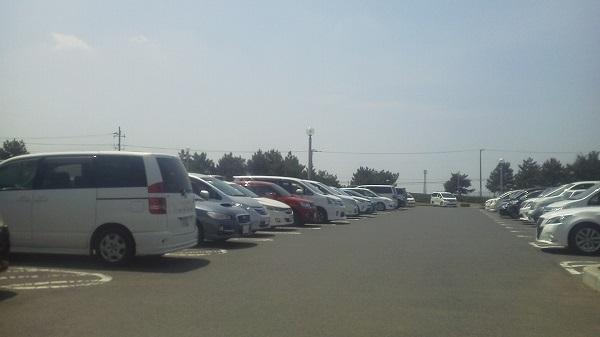 20170429 鹿島灘海浜公園の駐車場も満車に近いかも