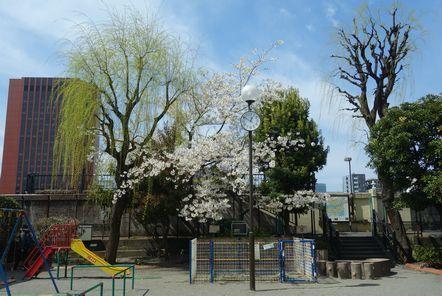 「月島の渡し」の碑がある公園